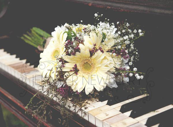 Rustic vintage wedding flowers www.jnphotography.ca @filemanager