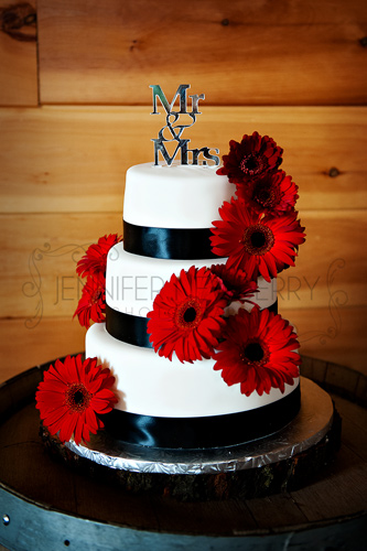Wedding cake by www.jnphotography.ca @filemanager