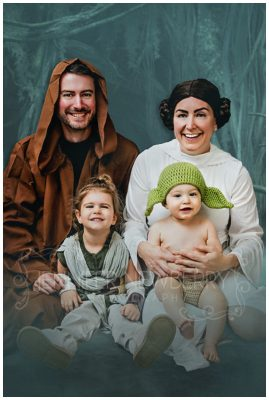 Star Wars family photo by Newmarket family photographer www.jnphotography.ca @filemanager